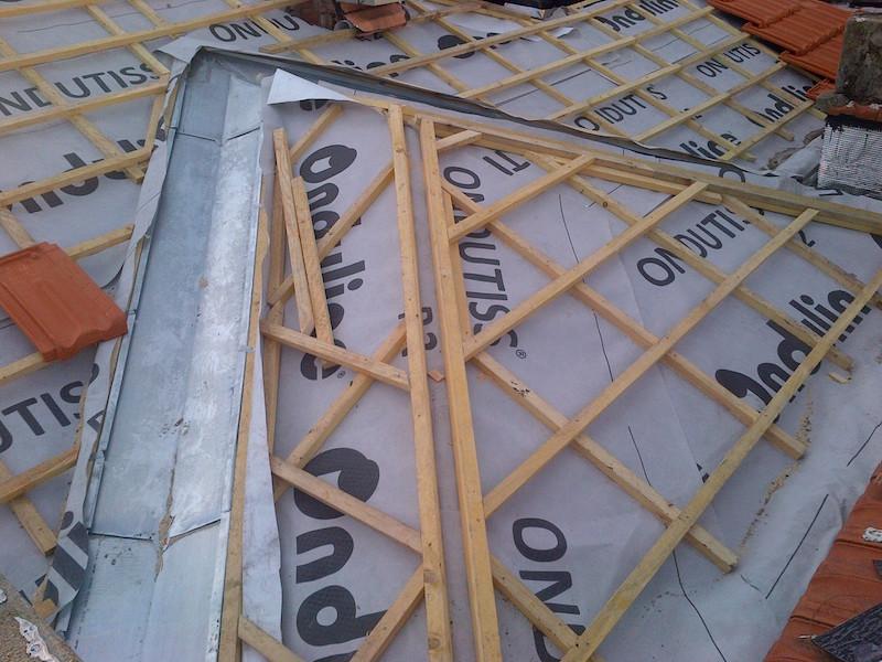 Installation de liteaux pour toiture